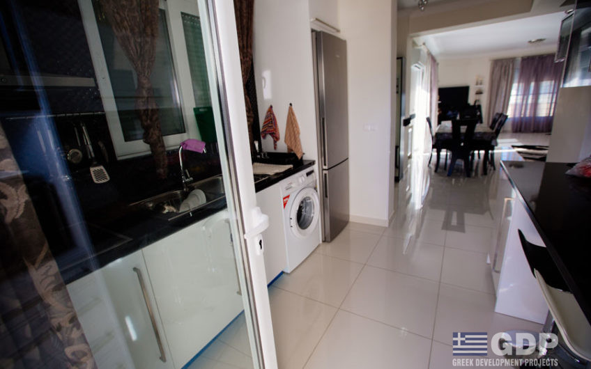 Cozy house for sale in Loutraki