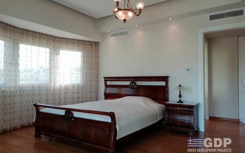 Villa for sale in Varkiza, Greece